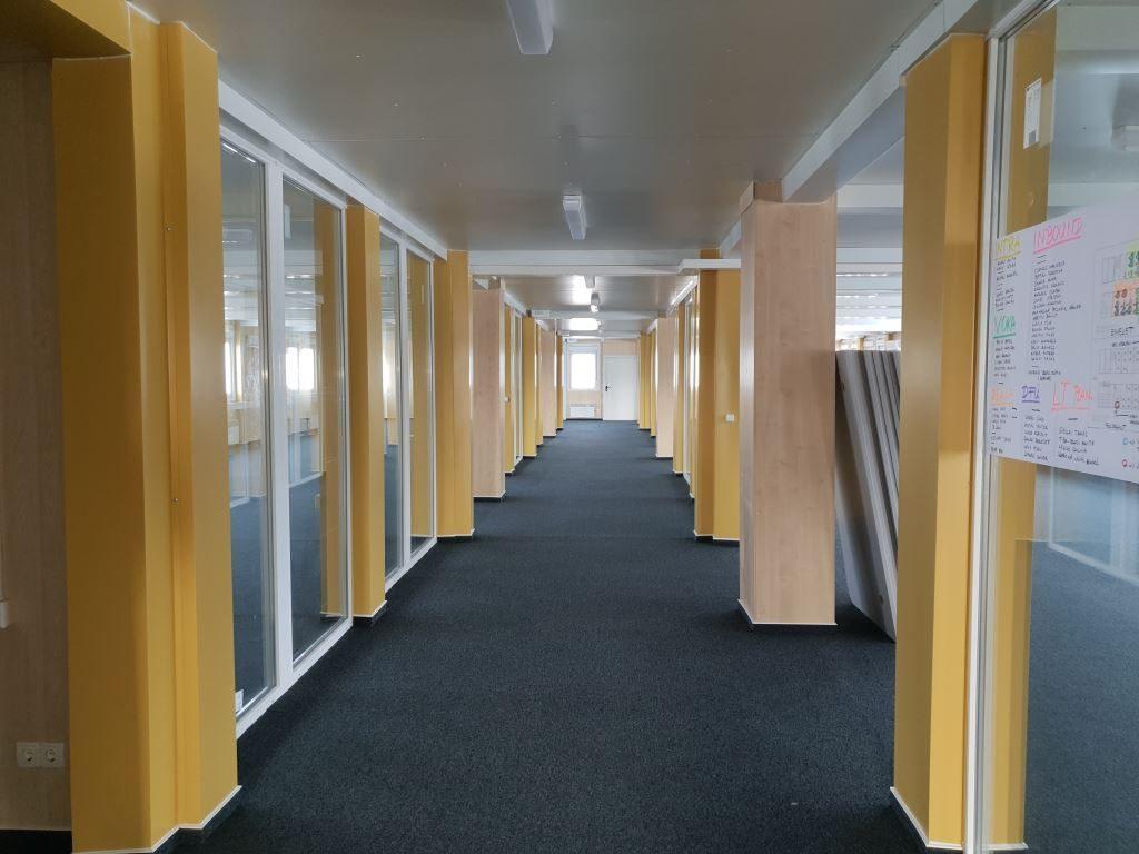 Büroanlage bestehend aus 66 Containern