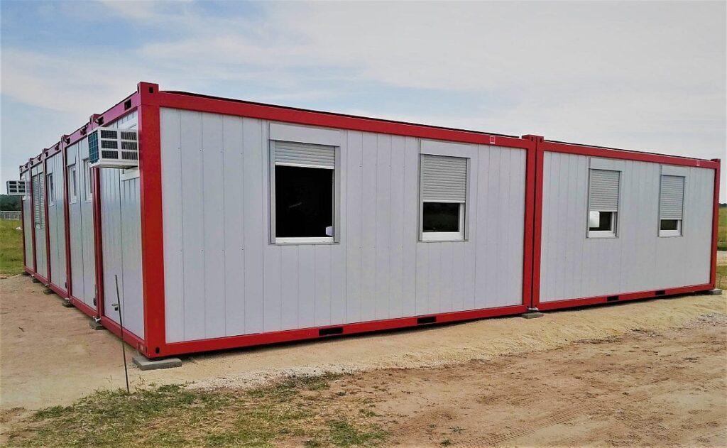 Konténer munkásszálló és irodakonténer az ösküi ipari park építési munkálataihoz