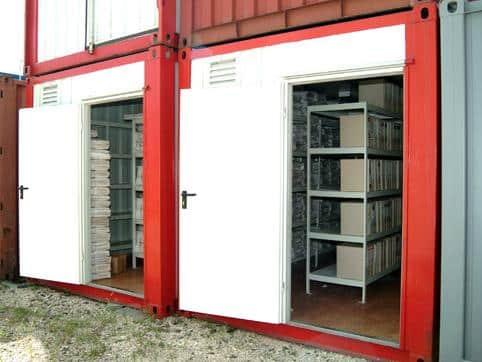 Eladó irattár konténerek